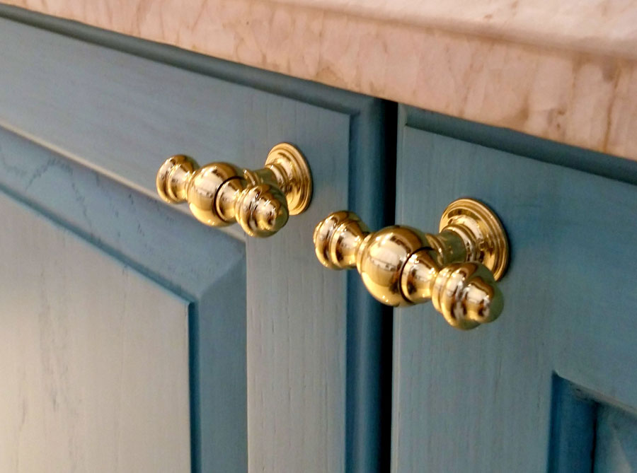 Kitchen Cabinet Hardware to Match Your Kitchen Faucets | Waterstone ...