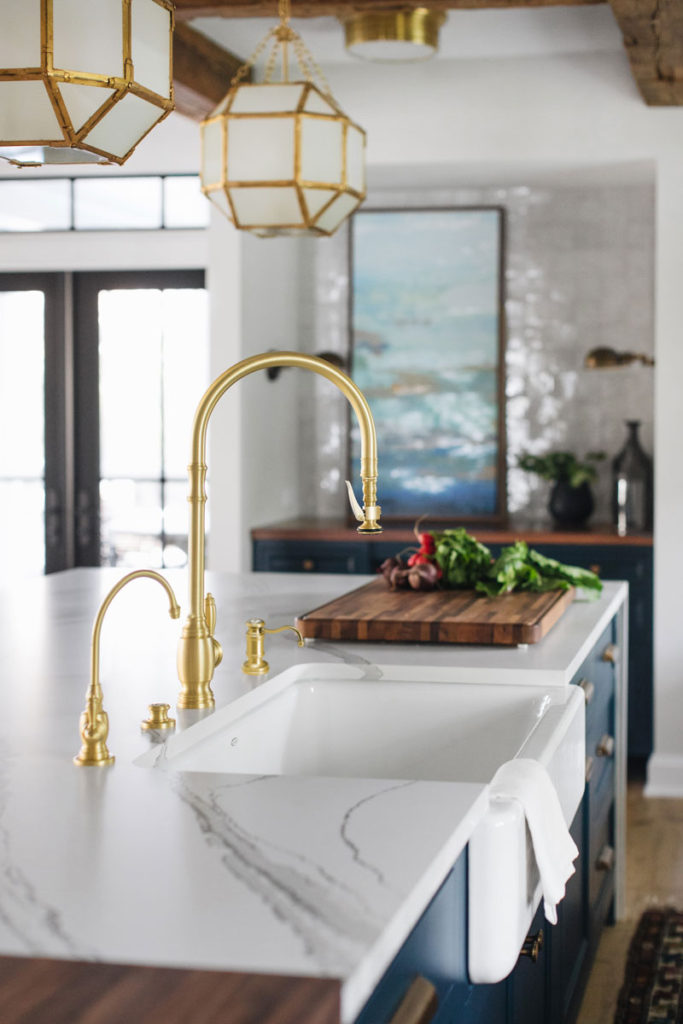 Waterstone Adds A Traditional Style Pulldown Faucet